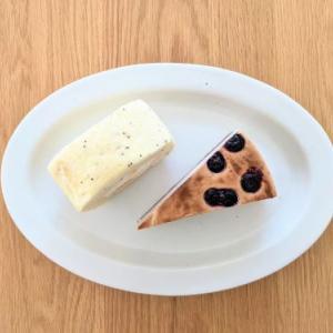 レモンカードのシフォンロールとブルーベリーチーズケーキ