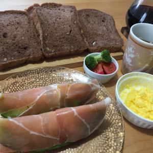 2020 経 4-5 漢方内科へ♡朝ごパンが豪華に♡お庭の住人?