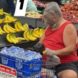 アメリカ人のスーパーでの格好