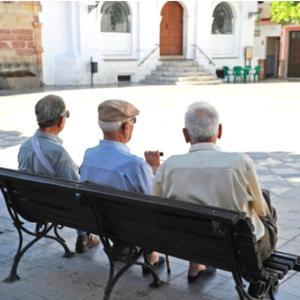 1年前の記事から。90%の老人が後悔していること。