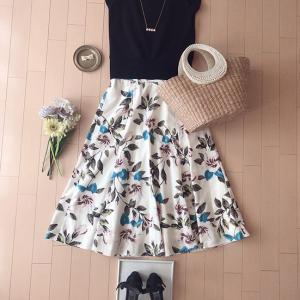 今年もお気に入り♡マイストラーダの花柄スカート×バックシャントップス♪