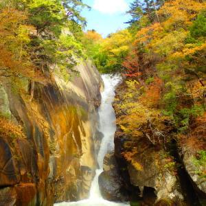 羅漢寺山・昇仙峡を周回 紅葉に登山に色々楽しめるスポット