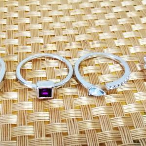 メルカリでまたまたエイチ&エムの指輪を買いました。そして、ハンドメイドのマスクも購入!