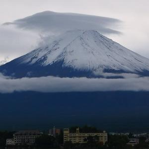 10月17日18日とまたもや甲府に行き、雨の中一人甲斐善光寺を堪能しました。