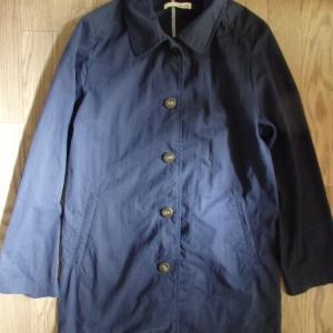 春物の季節ですねえ。今は学生さんみたいな紺色ステンカラーコート着てます。大人物?の春物コート出さないと。
