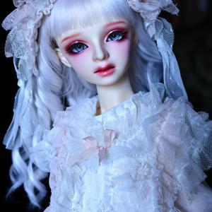 葉留香さんと恋夢さんは、同じミシェル・ヘッドの出身ですが、性格も含めて、全くの別人です。