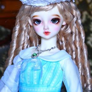 凪沙さんらしい夏服ですね。
