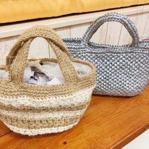 意外な素材で編んだバッグは超軽量なんです♪バッグも夏物にチェンジ☆
