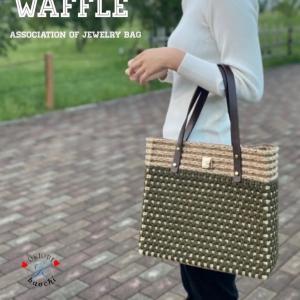 A4ファイルも余裕!ポコポコ模様が可愛いトートバッグ&サコッシュ【Waffle】