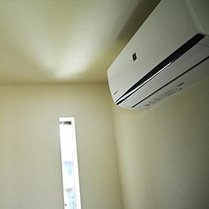 エアコンのガス漏れと、いつも誰かに助けられている。