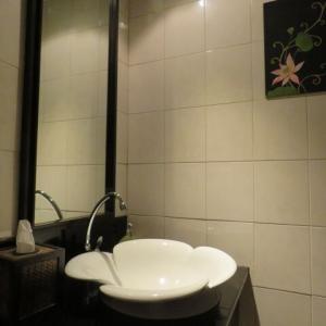 【栃木県】居酒屋の男女兼用トイレに小型カメラ設置。宇都宮市係長(52)逮捕