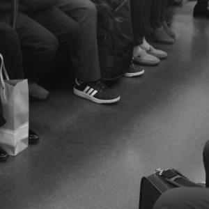 【千葉県】18歳女性会社員の横に座り肘で痴漢行為。JR総武本線の電車内で被害。自称・会社員(58)現行犯逮捕