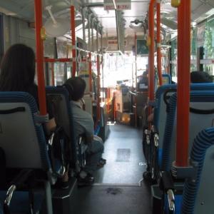 【北海道】バス車内で20代女性が髪の毛を舐めらる被害。高校生が目撃。無職の男(45)逮捕