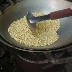 ข้าวคั่ว(カオクア)作り