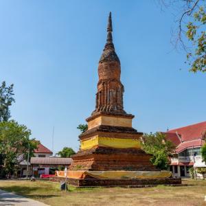 ワット・チェディヨートトーン Wat Chedi Yot Thong, Phitsanulok - スコータイ様式の美しい仏塔が残る寺院