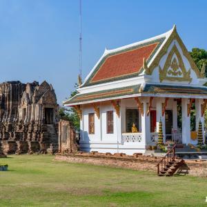ワット・チュラーマニー Wat Chula Manee, Phitsanulok(天国の仏塔) - クメール様式の古い塔堂 Prang がある寺院