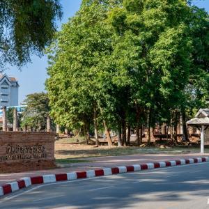 ワット・ウィハーントーン Wat Wihan Thong, Phitsanulok - プラ・アッタロットを祀る寺院