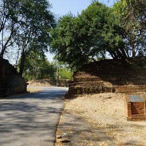 Pratu O(O Gate) / Sukhothai