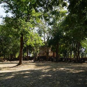Wat Phaya Dam / Sukhothai