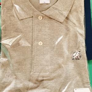 妻から「父の日のプレゼント」で千葉ロッテのポロシャツを貰いました(2年連続で(笑))。