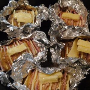 ダッチオーブンでハッセルバックポテト(アコーディオンポテト)