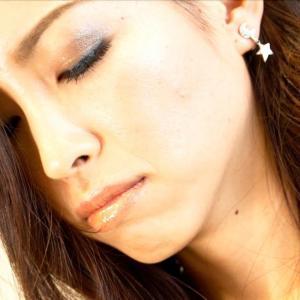 歌うデンティスト 竹内佐輪子さんがFBのライブ配信で歌を届けます。