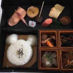 ・東京ディズニーランドホテルのルームサービスの朝食(和食の朝食膳と洋食)