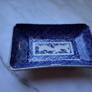 明治時代の四角い食器の回答