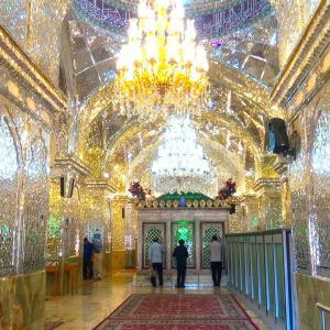 イスファハーンからシーラーズへ。超キラキラモスクが眩しいほど光ってる!