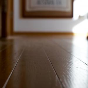 【実家の片付け7】次は2階の廊下!…ってなんで廊下にこんなに物が置いてあるの?