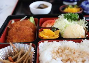 群馬県富岡市の富岡製糸場近くにある定食屋「新洋亭」