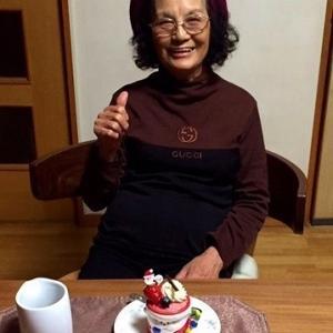 今年も元気にお誕生日を迎えることができました♪ヽ(^。^)ノ