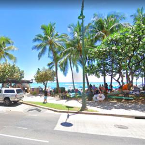 ハワイの道を行く その14 カラカウア通り、