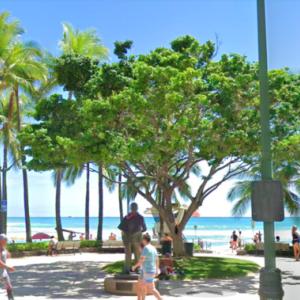 ハワイの道を行く その15 カラカウア通り、クヒオビーチ、アロヒラニ・リゾート・ワイキキ・ビーチ、プリンス・クヒオ像