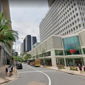ハワイの道を行く その28 カラカウア通り、シーサイド・アベニュー〜クヒオ通り