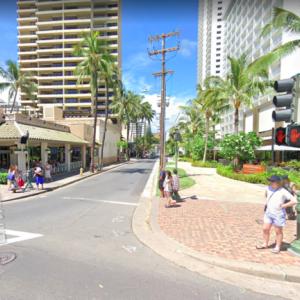 ハワイの道を行く その32 カラカウア通り、リリウオカラニ通り〜クヒオ通り