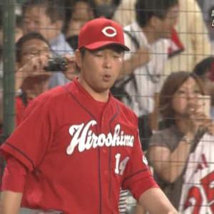 【悲報】阪神ファン、大瀬良にメガホンを投げつける!?