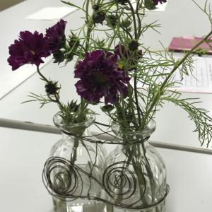 花を楽しむ暮らし「花とライフデザイン」講座風景