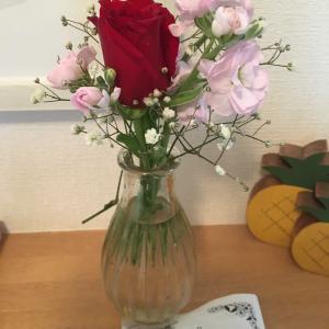 お花が届きました、娘が