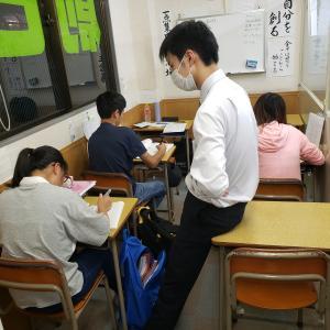 中学生の子たちは、定期テストに向けて自立トレーニング学習の自習に参加しだしてます