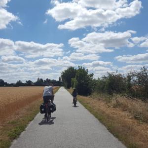 いよいよ夏のプロジェクト、240キロの自転車の旅スタート♬