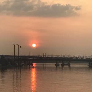 嬉しくてリブログ、今朝のシンガポールの太陽を見て考えた