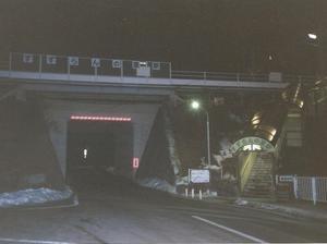 歩道橋みたいな駅