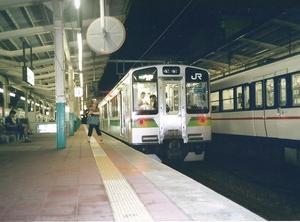 新潟地区夜の列車で豊栄へ