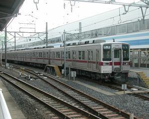 目的は東海道新幹線なのに、やはり夜行快速から始めます