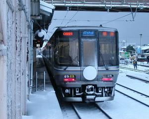 長浜から【新快速】で東海道線へ乗り込みます