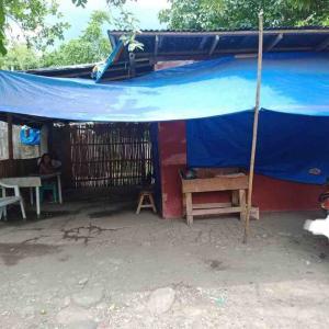 フィリピンでバーガーショップ開店3日後に大問題