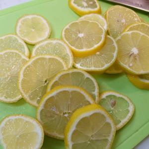 手作りの蜂蜜レモン