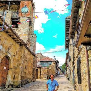 俳句・サンティアゴ巡礼「銀の道」及び「フランス人の道」(Los Haikus del Camino de Santiago de la Plata y Francés)2019: 巡礼31日目(el 31er. día)「ファンタジーあふれる村」(Un pueblo lleno de fantasía)