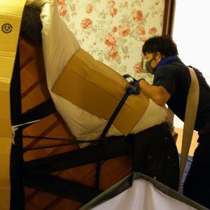 グランドピアノ搬入と自己紹介撮影撮り